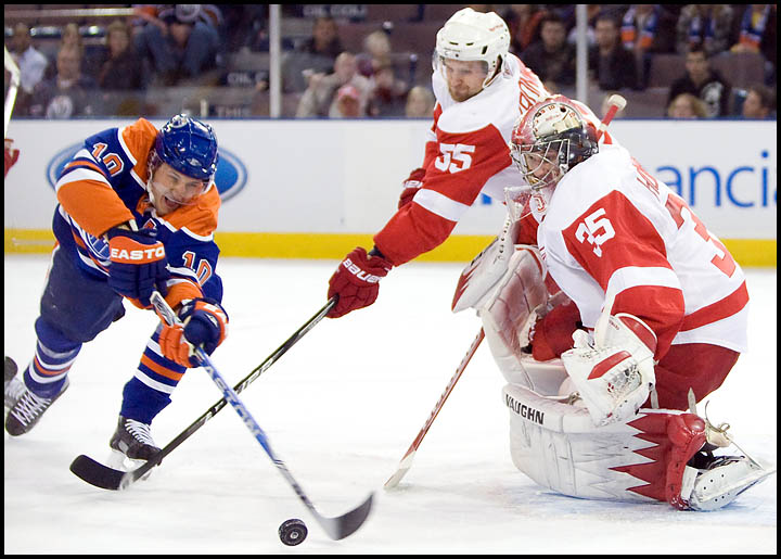 rj_oilers_wings_291009_03