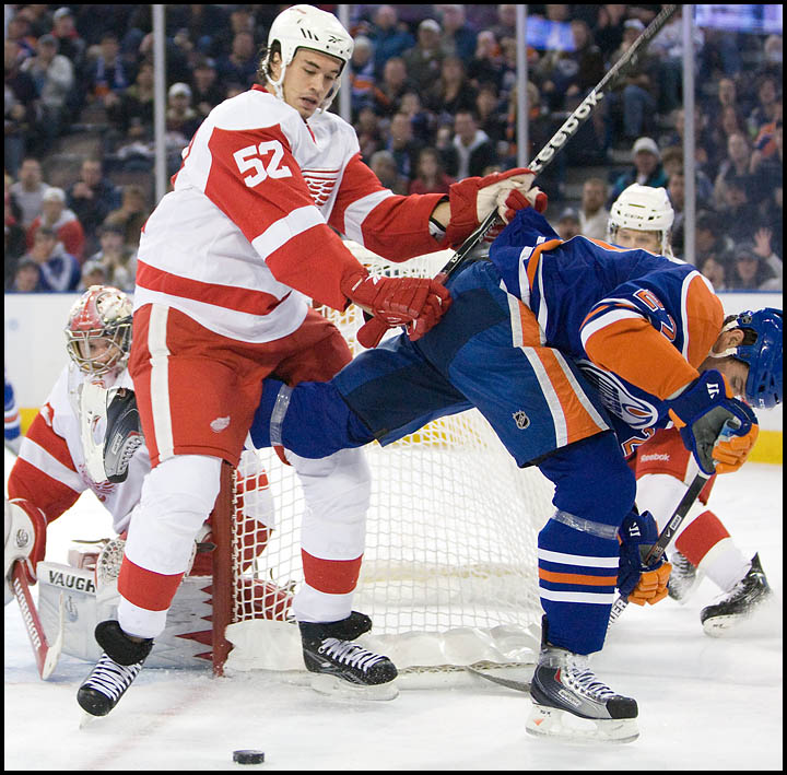 rj_oilers_wings_291009_04