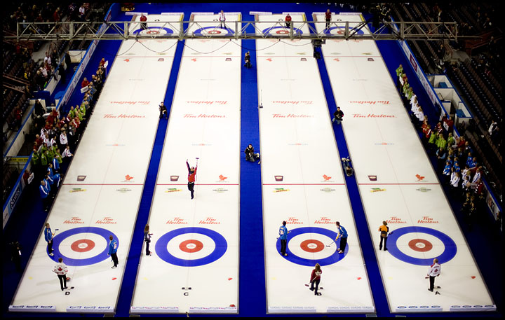 rj_curling_061209_06