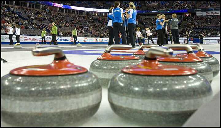 rj_curling_061209_26