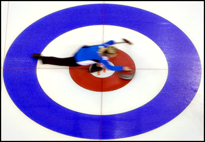 rj_curling_061209_46