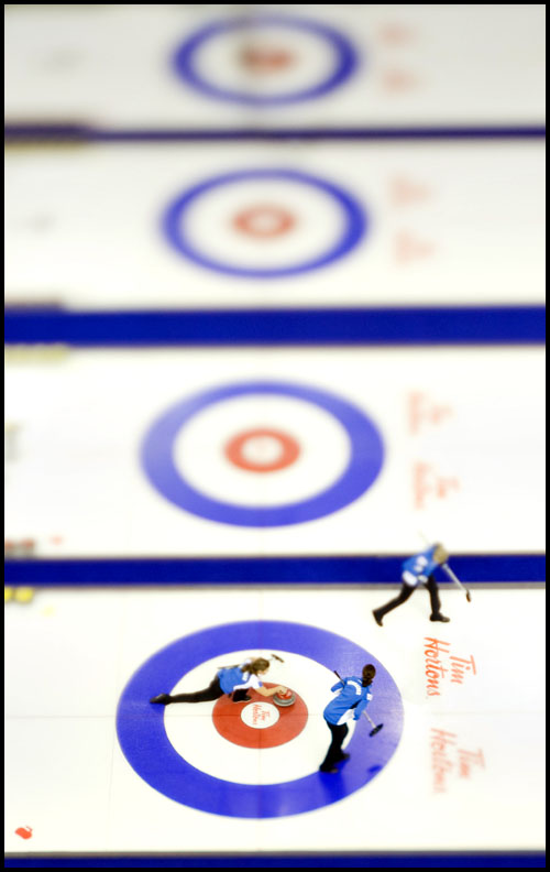rj_curling_061209_49