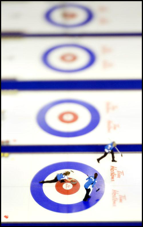 rj_curling_061209_49