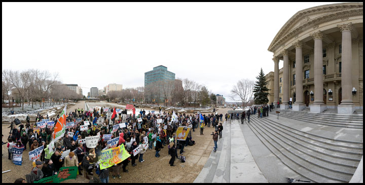 student-protest-pano