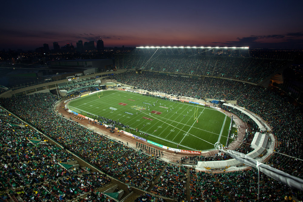 EDMONTON, ALTA.: NOVEMBER 28, 2010 -- Over 63,000 fans enjoy the 98th CFL Grey Cup with the Saskatchewan Roughriders facing the Montreal Alouettes in Edmonton on November 28, 2010. (Ryan Jackson / Edmonton Journal).