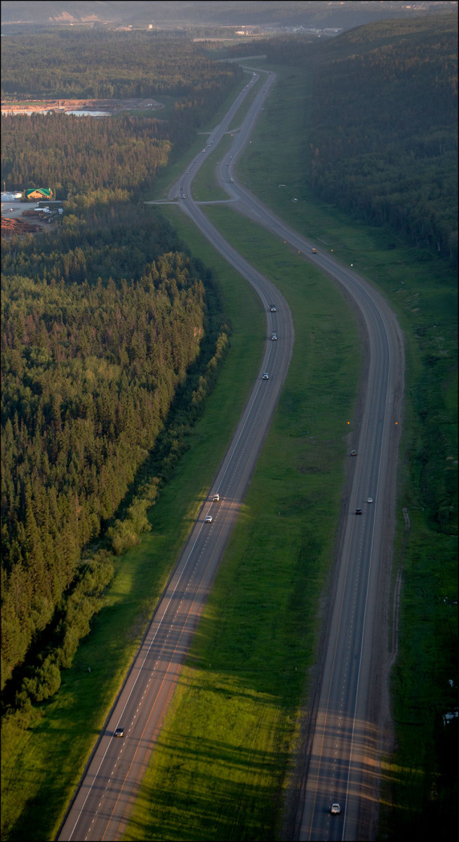 FORT MCMURRAY, ALTA.:      JUNE, 20, 2013: — An aerial view of Highway 63 just north of Fort McMurray, Alta. on June 20, 2013. (Ryan Jackson / Edmonton Journal)